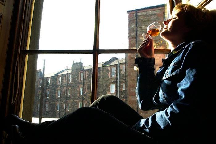 Polacy rozsmakowali się w whisky. Pod względem spożycia jesteśmy w czołówce.
